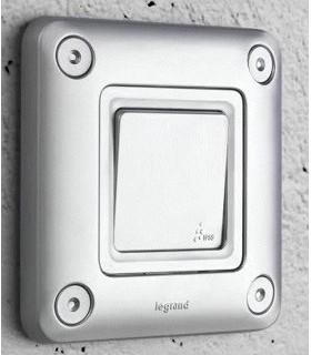 Interrupteur ou Va et Vient anti-vandales ou étanche design Soliroc