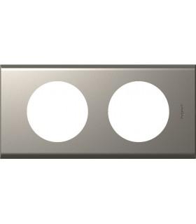 Plaque Céliane 2 postes, finition: Métal Nickel velours, entraxe 71 mm.