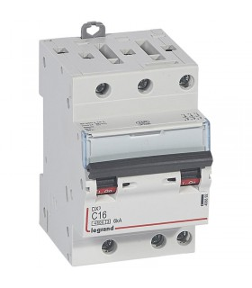 Disjoncteur tripolaire 16 A Disjoncteur DX3 - Courbe C - 4.5 kA